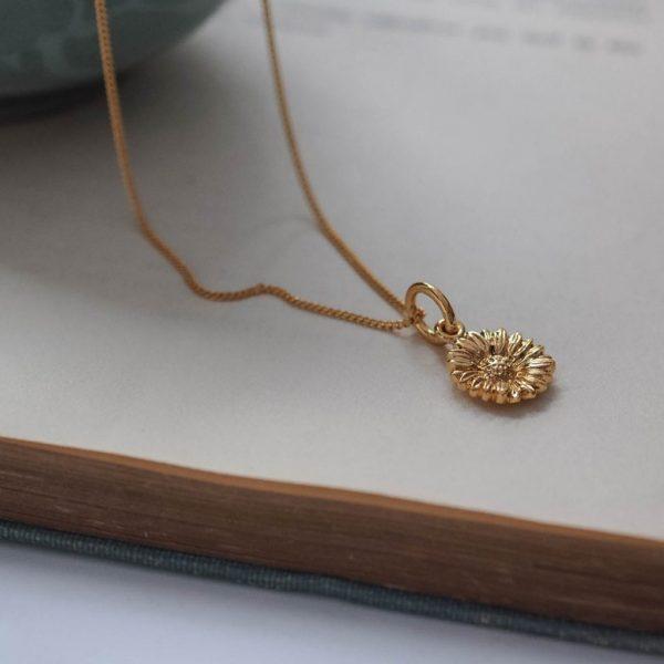 Daisy Necklace Gold Vermeil