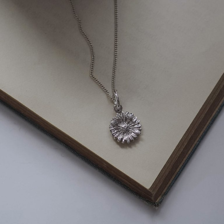 Daisy Necklace Silver