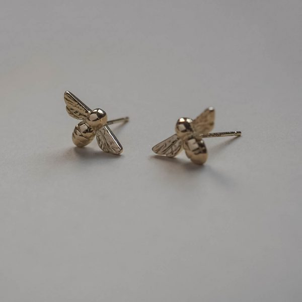 Bumble Bee earrings in Yellow Gold