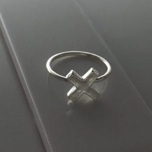 Cross Ring in Sterling Silver