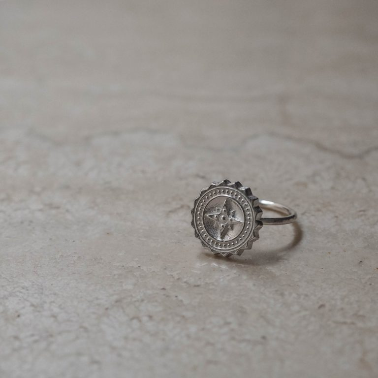 Compass ring in Sterling Silver