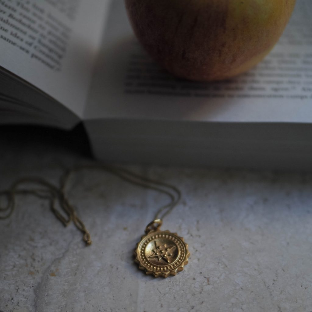 Compass Large Necklace in Gold Vermeil