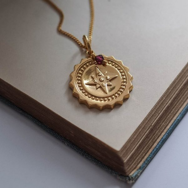 Compass Large with Garnet Necklace in Gold Vermeil