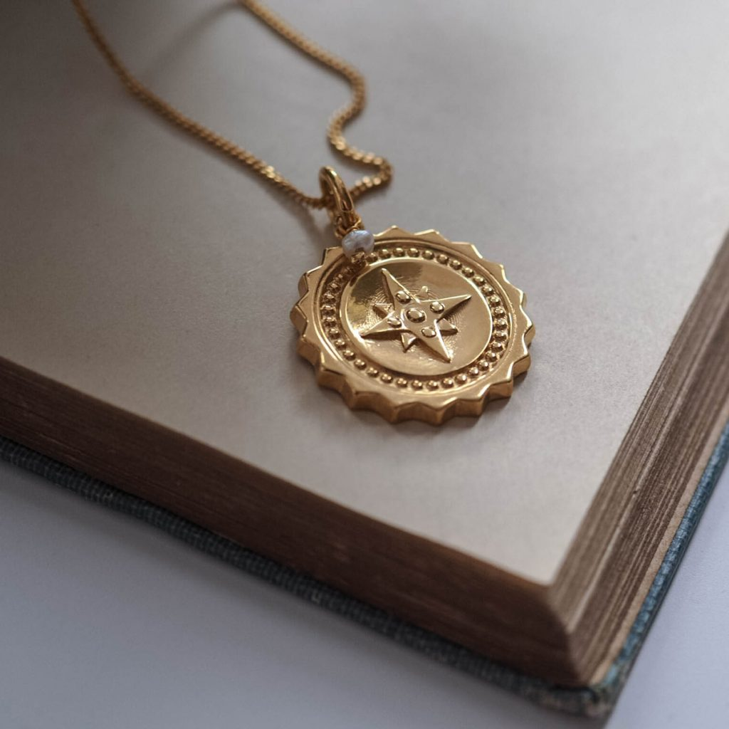 Compass Large with Pearl Necklace in Gold Vermeil