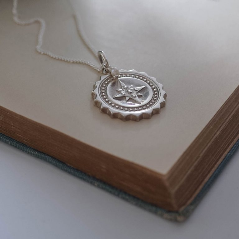 Compass Large with Pearl Necklace in Sterling Silver